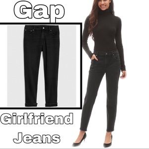 Gap Girlfriend Mid-Rise Black Jeans W/ Raw Hem